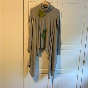 BCBG Maxazria tunic size XS